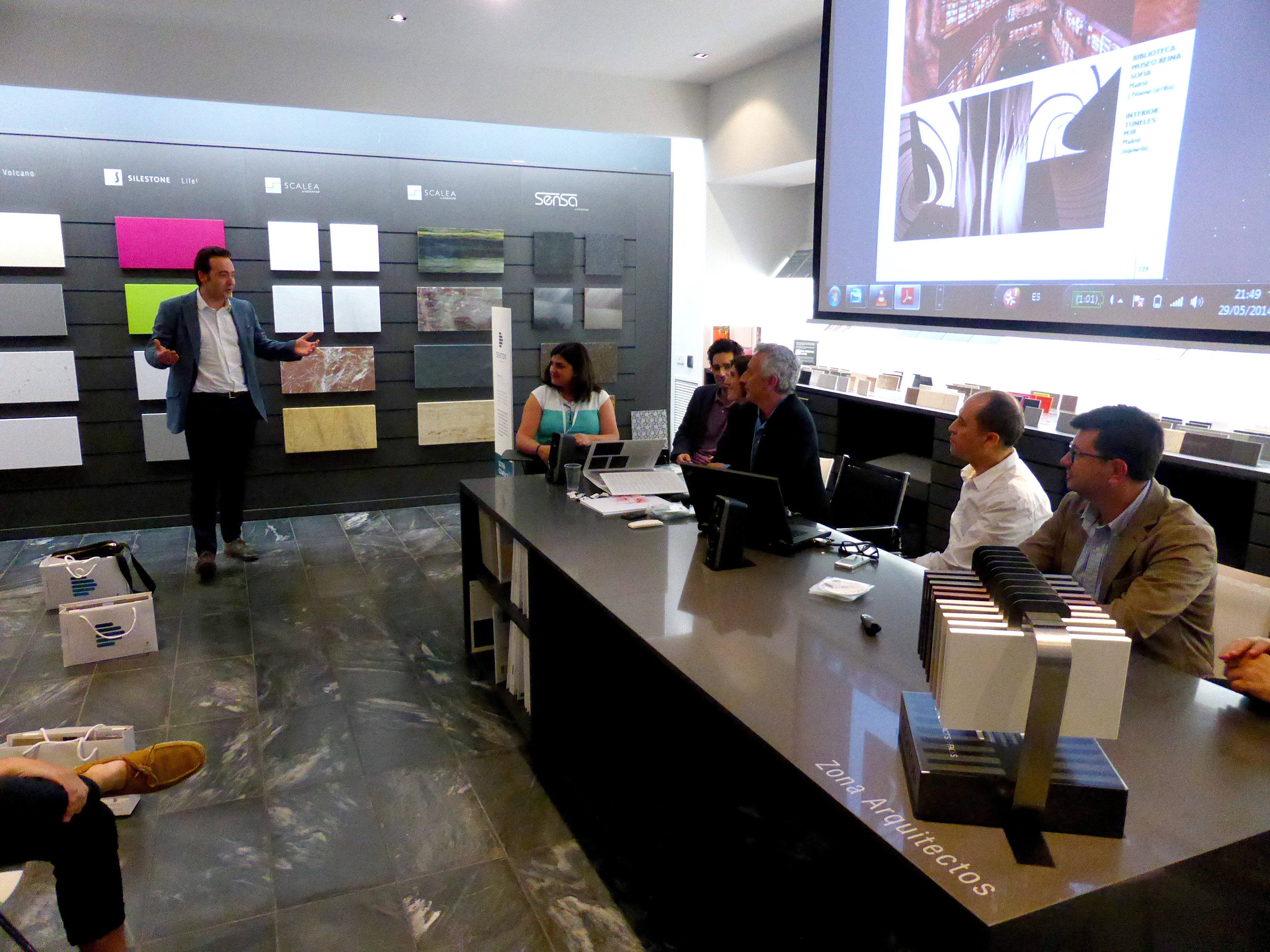 Cosentino zaragoza center acoge la jornada hablando de for Estudios arquitectura zaragoza