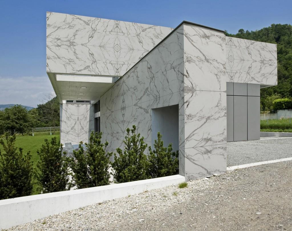 Fassade in der Dekton-Farbe Aura