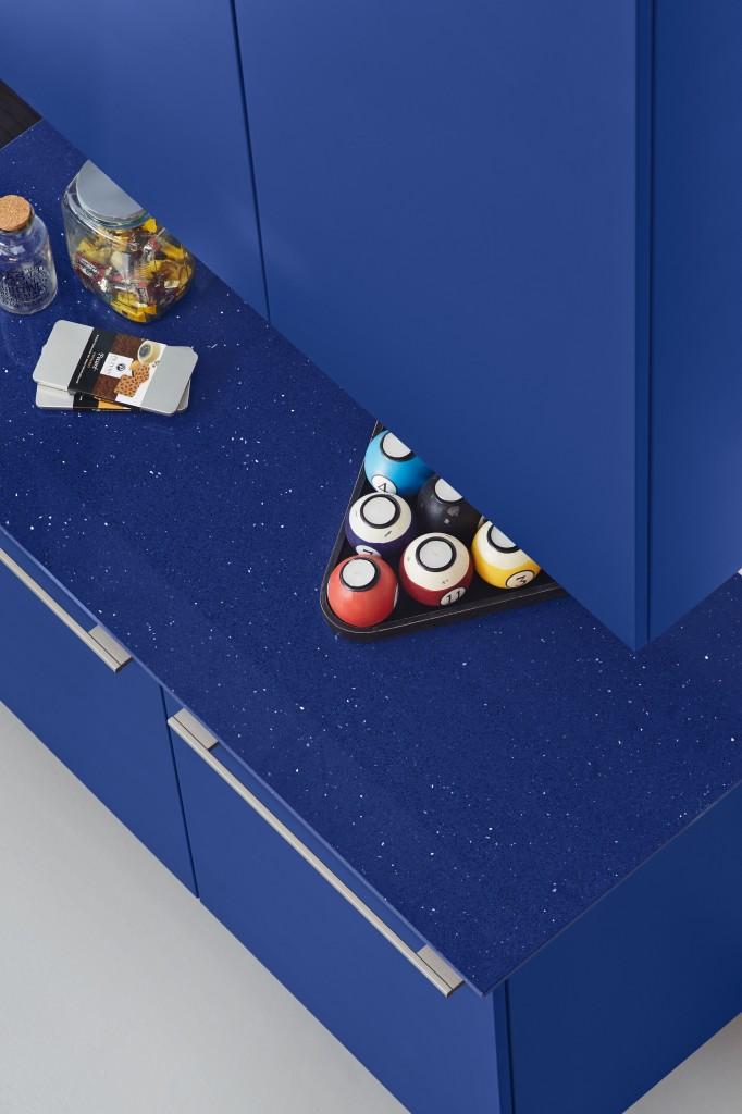Ein Traum in Blau: Küche mit Silestone Marine Stellar (c) Ballerina Küchen