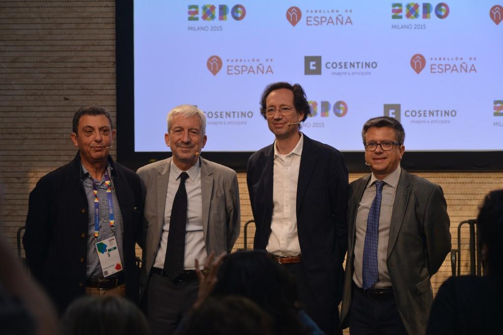 Buchpräsentation im spanischen Pavilion: Fulvio Irace, Luis-Fernandez-Galiano, Fermin-Vazquez und Santiago-Alfonso (v.l.)