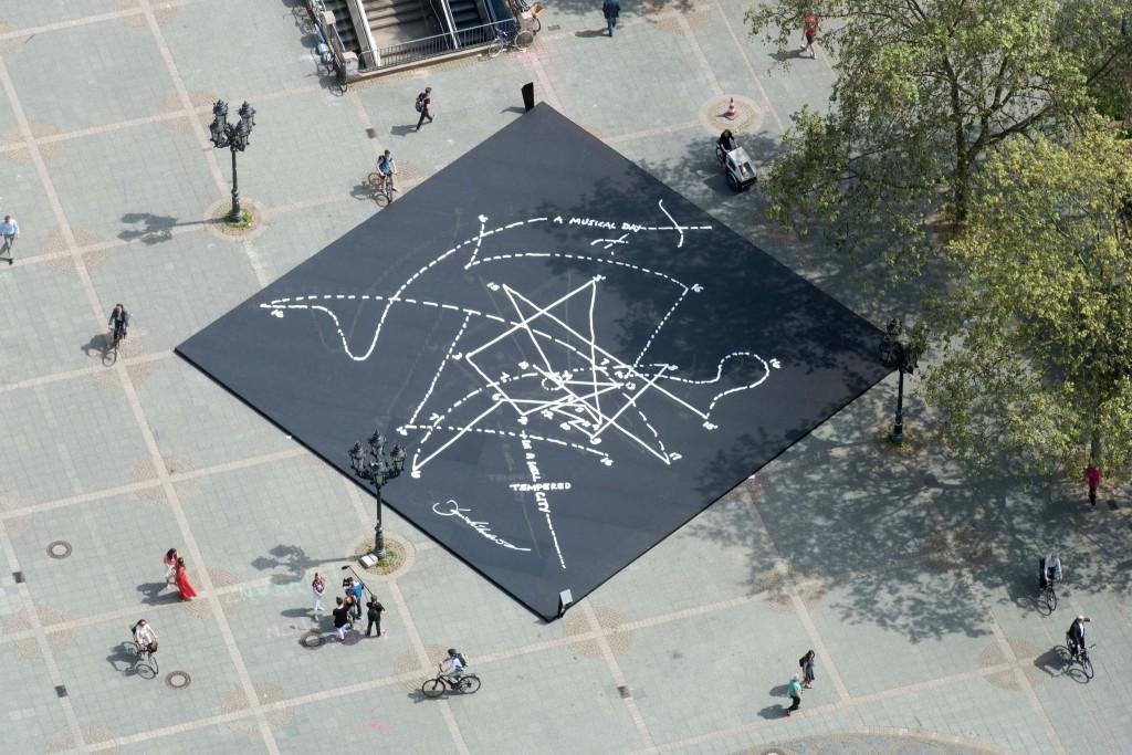 "Das ""Musical Labyrinth"" aus Dekton auf dem Frankfurter Opernplatz (c) AOF Wonge Bergmann"
